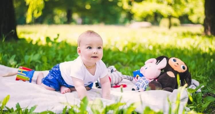 Раннее развитие ребенка 1 год 3 месяца thumbnail