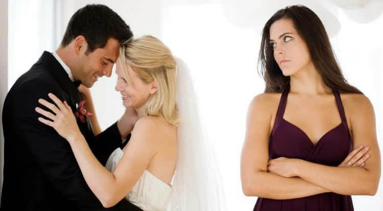 стоит ли возвращать мужа