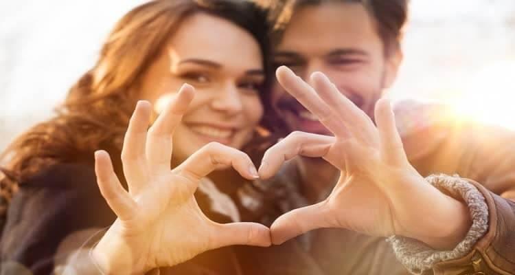 сердце сделаем пальцами в двоем