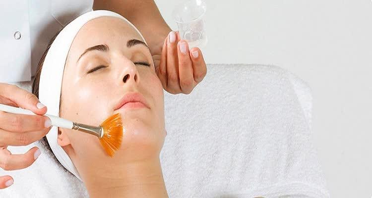 Обработка лица при пилинге хлористым кальцием