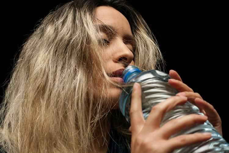 Губы и рот эффективные упражнения с бутылкой