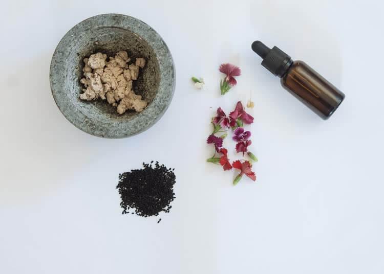 Ингредиенты для народных рецептов от носогубных складок
