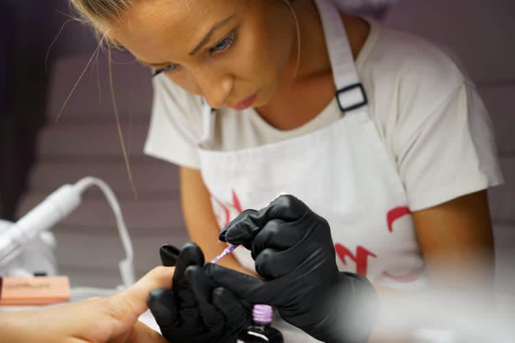Безопасность маникюра для здоровья ногтей