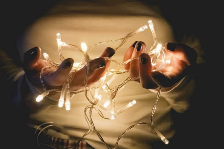 Лампочки высвечивают заболевания ногтей