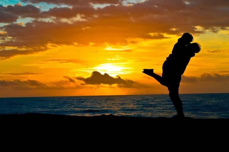 Отношения парня и девушки на отдыхе